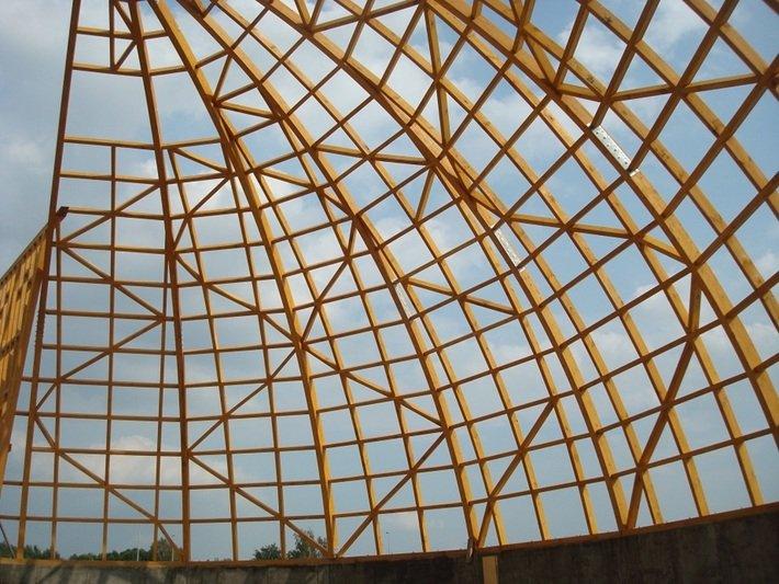 Drewniana konstrukcja magazynu soli