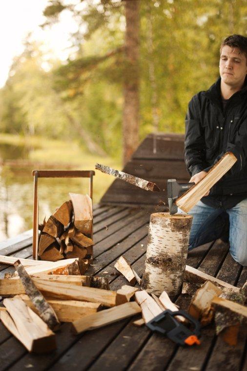 Czym i jak rąbać drewno?