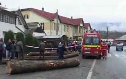 Tragiczny wypadek spowodowany przez kierowcę ciężarówki z drewnem