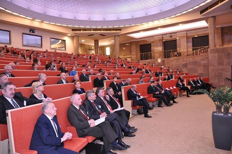 Konferencja: Rozwój odnawialnych źródeł energii szansą dla Polski