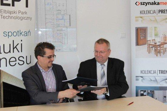 Waldemar Mieczkowski (z prawej) i Paweł Lulewicz podpisali porozumienie o współpracy.