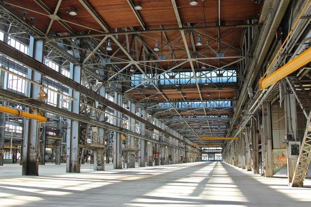 Wydajność produkcyjna polskiej branży meblarskiej - studium przypadku