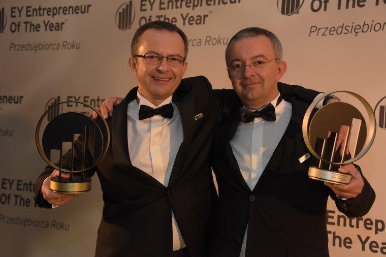 Bracia Adam i Jerzy Krzanowscy podaczas gali konkursu Przedsiębiorca Roku 2014