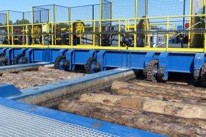 Czas przebywania drewna w basenach zależy od średnicy kłód