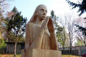 Modlitwa dziewczyny - została podarowana Wydziałowi Leśnemu