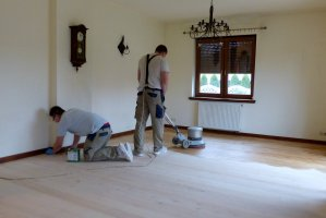 Proces olejowania podłogi nie różni się od tradycyjnych metod
