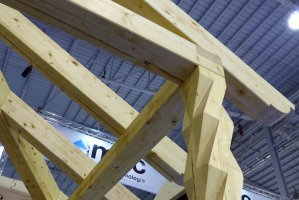 Na targach Budma 2017 zobaczyć można technologie obróbki drewna konstrukcyjnego oraz produkcji stolarki otwowrowej