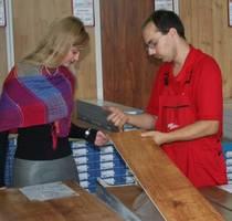 Sklepy RuckZuck oferują nie tylko panele podłogowe, ale także środki do ich pielęgnacji