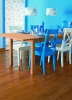 Podłoga z drewna egotycznego w kolorze Bambus
