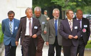 Delegacja protestujących wraca ze spotkania z Ministrem Boni