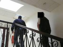 Agenci CBA przeszukują ich mieszkania i biura