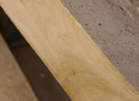 Szarzenie występuje na samej powierzchni drewna i nie wpływa na jego właściwości.