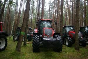 Valtra ciągniki do prac leśnych