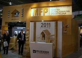 Udane targi Pfleiderera: Złoty Medal dla Płyty budowlanej MFP i nagroda Acanthus Aureus za stoisko