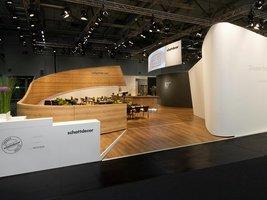 Wyjątkowa prezentacja produktów i trendów z wieloma nowościami wzorniczymi zachwyciła klientów Schattdecor podczas targów Interzum 2011.
