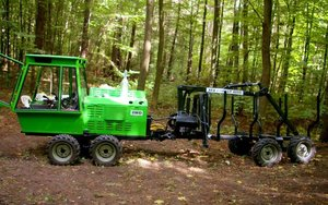 Niewielki forwarder AFA Forest 4000
