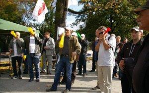 Fanfary na cześć protestujących