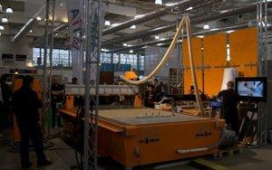 Uwagę przyciągały pokazy pracy obrabiarki CNC