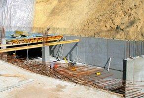 Płyta szalunkowa MFP® sprawdza się szczególnie na budowach dużych obiektów o konstrukcji szkieletowej.