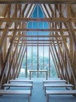 Wnętrze kaplicy w Tarnowie zaprojektowanej przez pracownię BETON