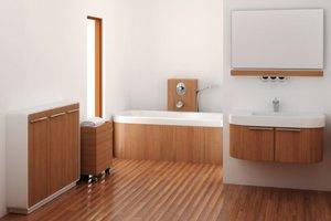 Lakiery do drewnianej podłogi w łazience powinny posiadać bardzo wysoką odporność mechaniczną.