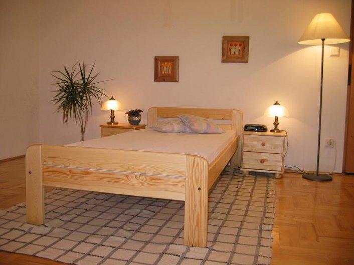 Producent łóżek sosnowych szuka odbiorców