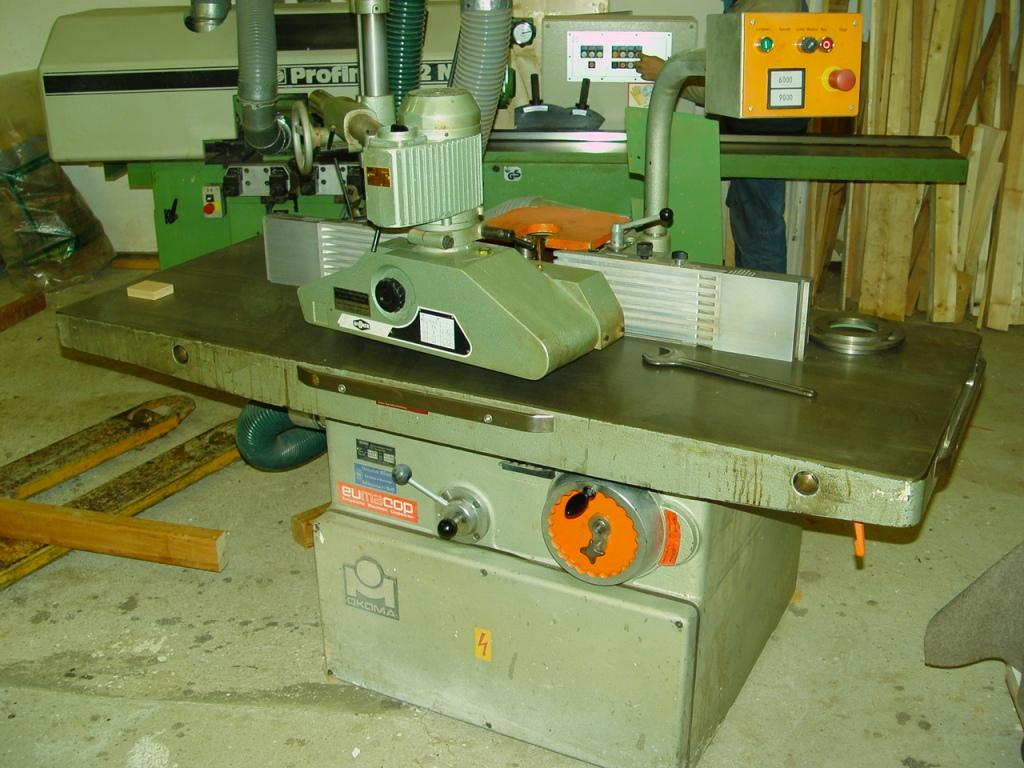 Frezarka OKOMA - posow 4-rolkowy - szeroki stol