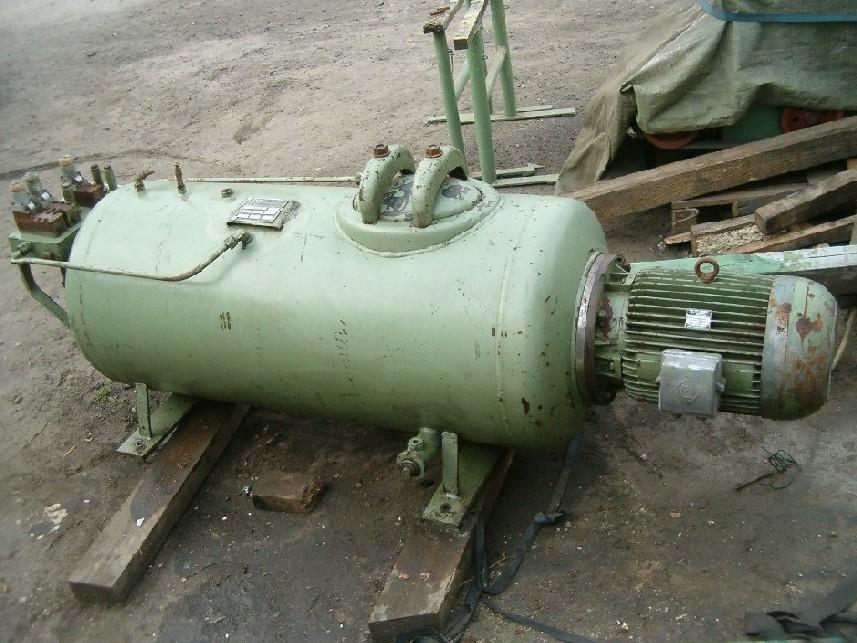 Agregat do prasy hydraulicznej o max. ciśn. 520 T.