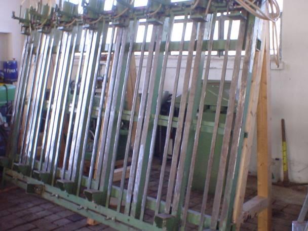 Prasa pneumatyczna do ram okiennych