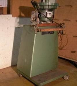 Automat do obsadzania kołków KUPER DEA 12