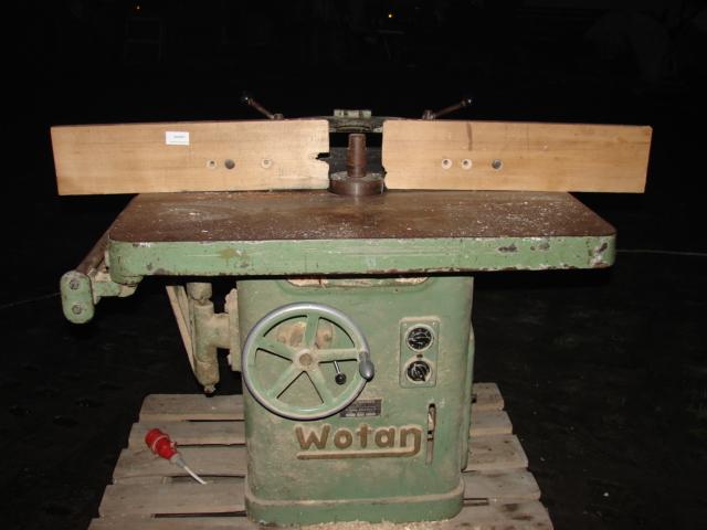 Frezarka dolnowrzecionowa  Wotan z wózkiem do