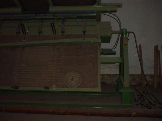 Prasa pneumatyczna  4 półki  280cm x 120cm.