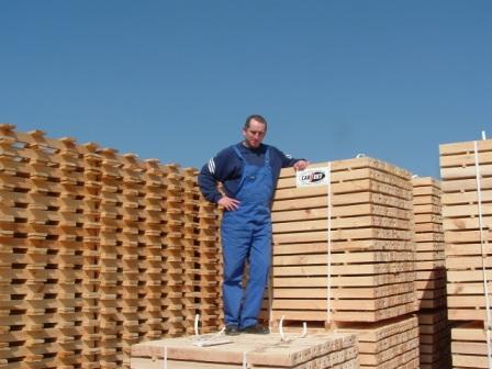 Obróbka termiczna opakowań drewnianych na export.