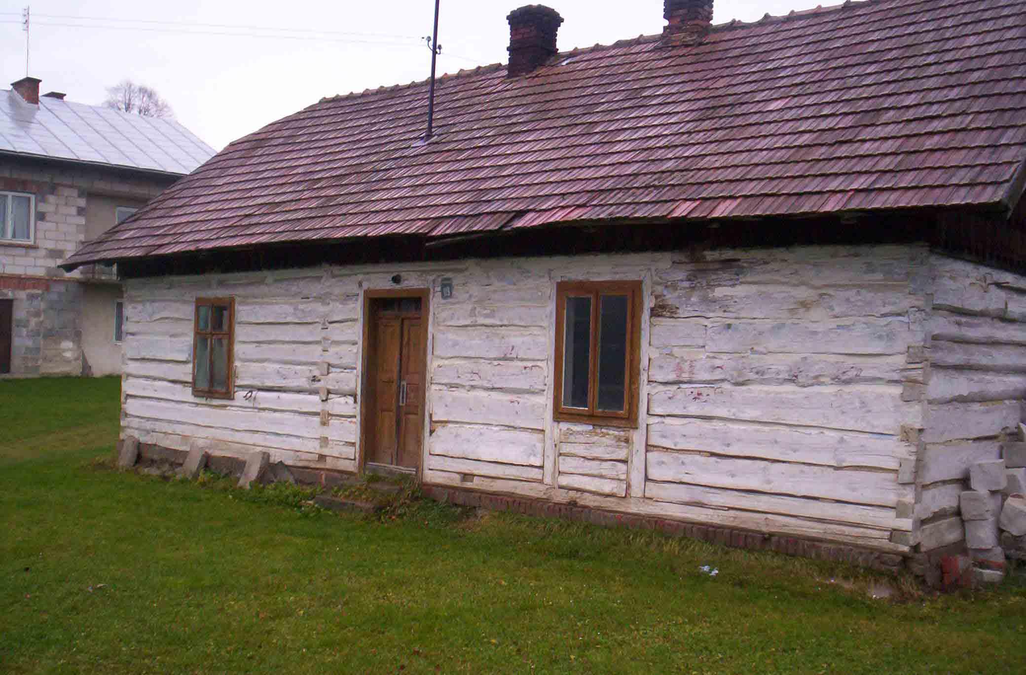 Sprzedam dom drewniany do rozbiórki