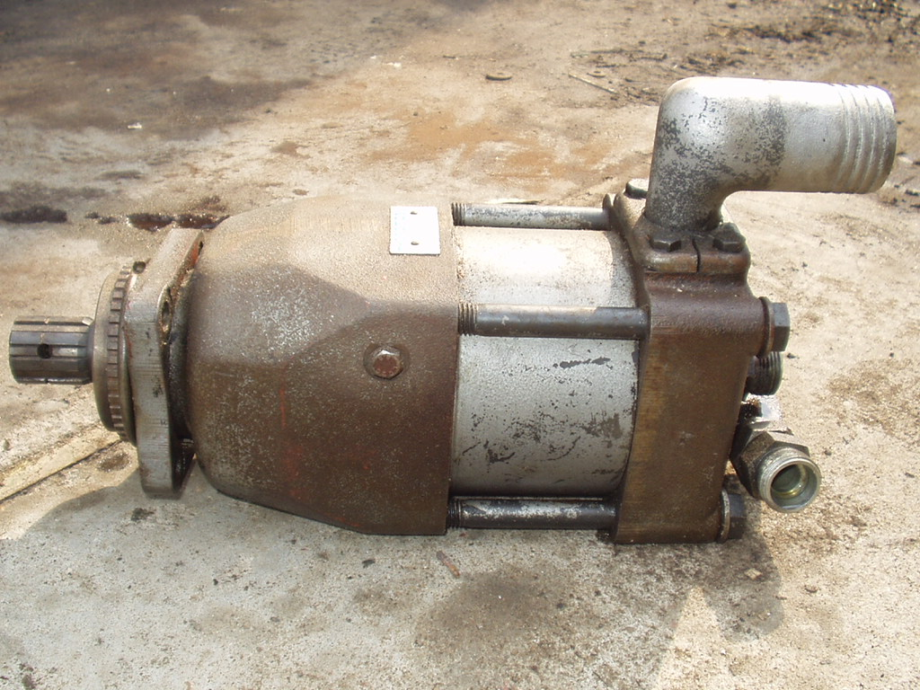 Pompa hudrauliczna dwustrumieniowa 2 x 65