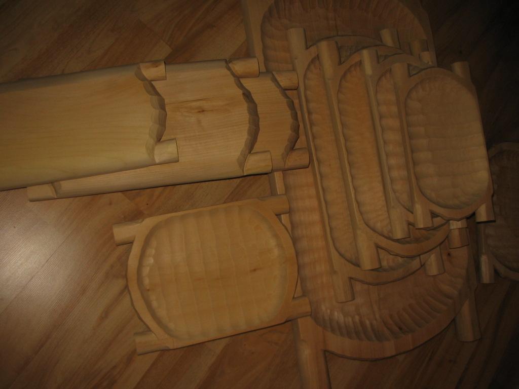 Wyroby z drewna, miski, korytka