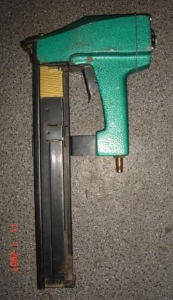 Pistolet na zszywki tapicerskie!!!