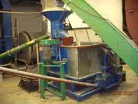 Linia do produkcji brykietów z trocin i słomy