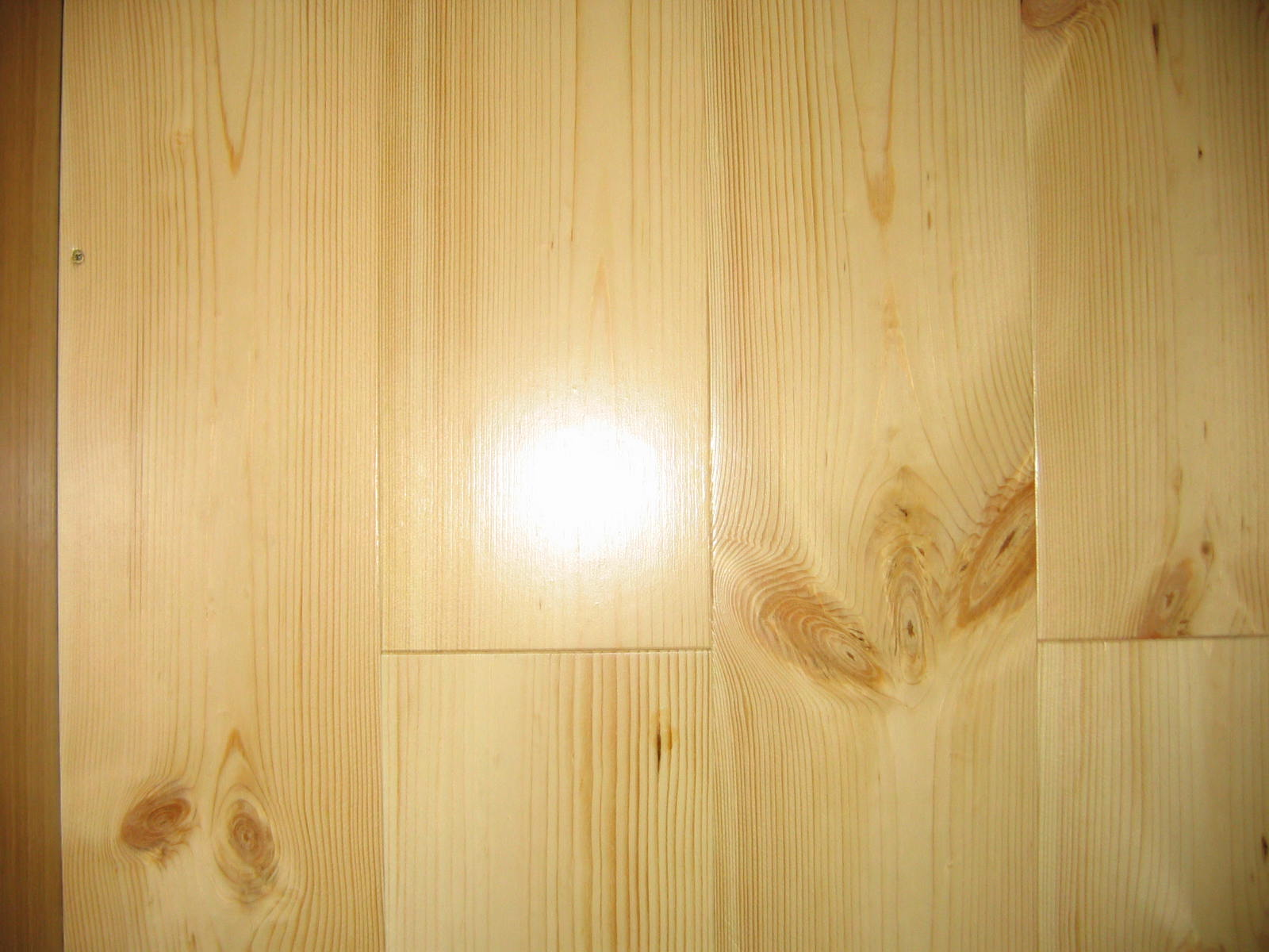 Podłogi do klejenia