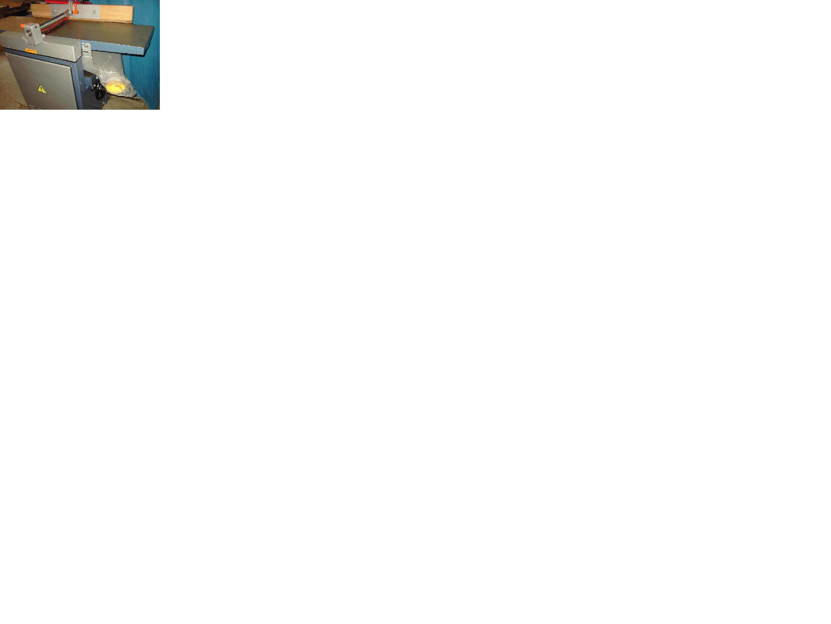 grubościówkę ( wyrównywarko - grubiarkę )