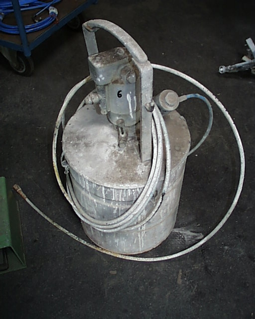Urządzenie natryskowe-zbiornik ciśnieniowy !!!