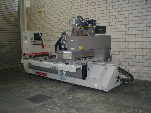 Używane maszyny CNC - Morbidelli autor 600