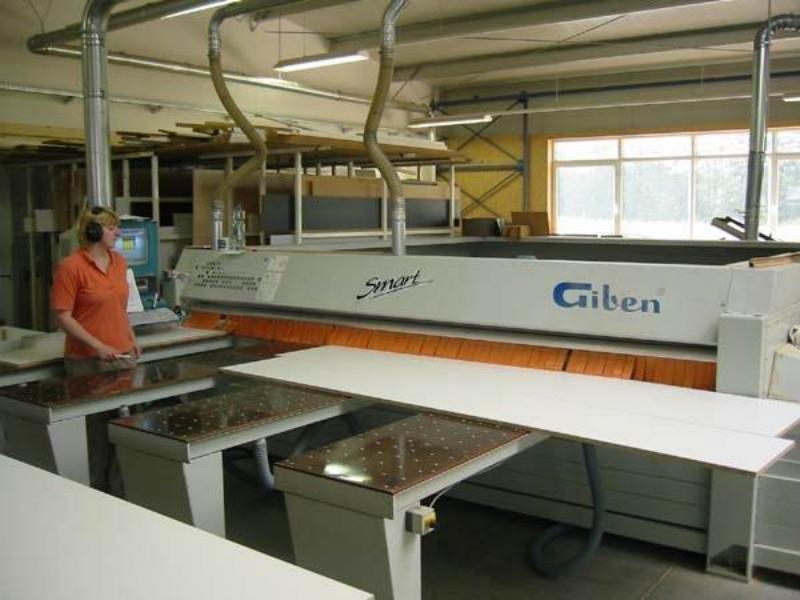 Używane maszyny CNC I PIŁY PANELOWE -GIBEN