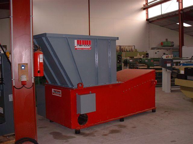 Rozdrabniacz do odpadów drewnianych: do 1000 kg/h