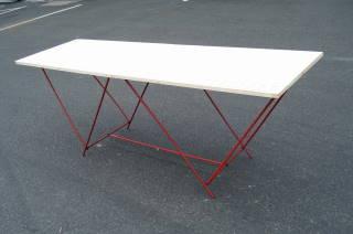 stoły do tapetowania