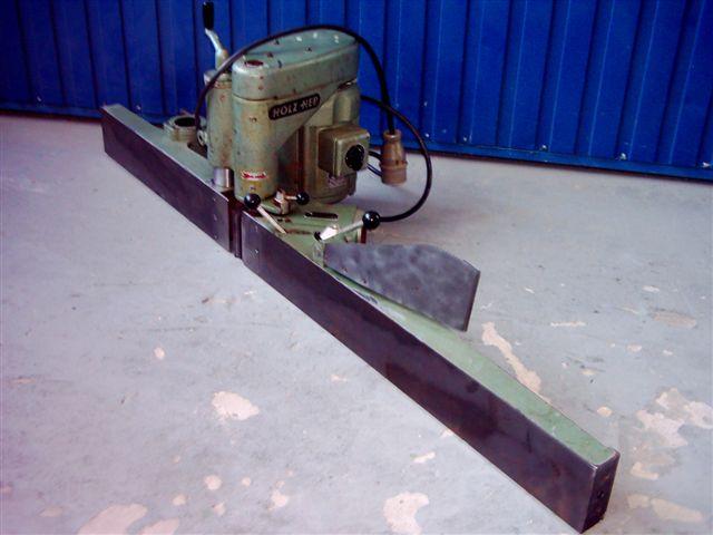 Prowadnica do wyrówniarki z elektrycznym strugiem