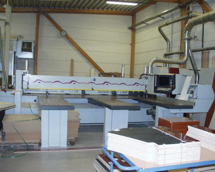 Maszyny CNC do mebli, stelaży i PIŁY PANELOWE 2