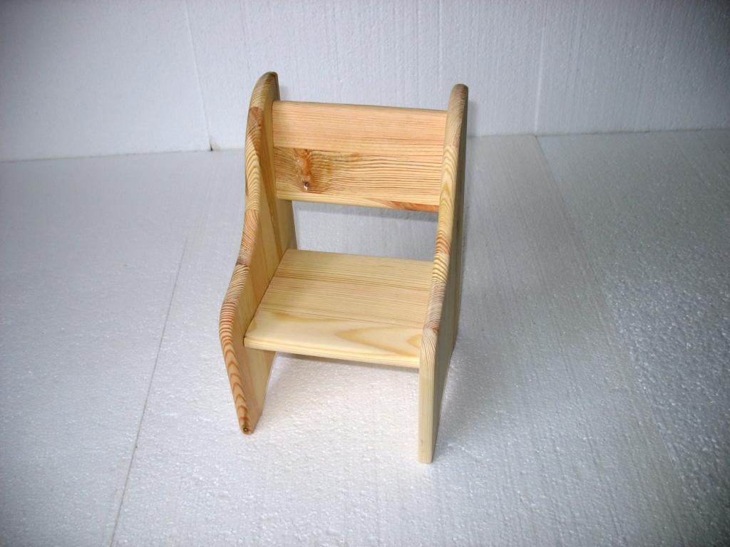 Krzesełka dla lalek