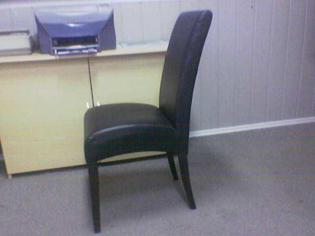 krzesła tapicerowane skóropodobne