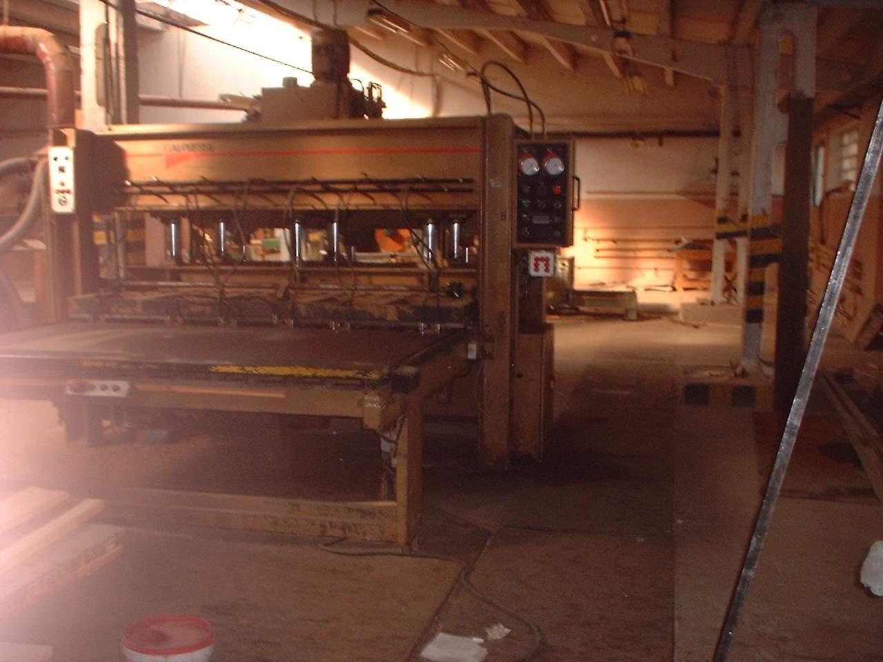 Zestaw maszyn do produkcji klejonki
